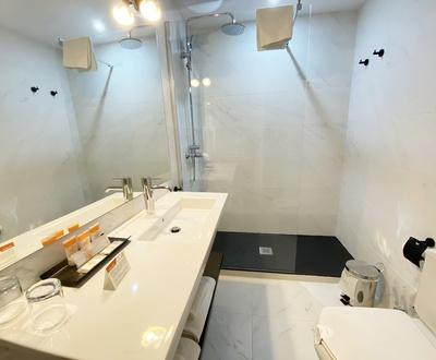 Bathroom Cortezo Hotel