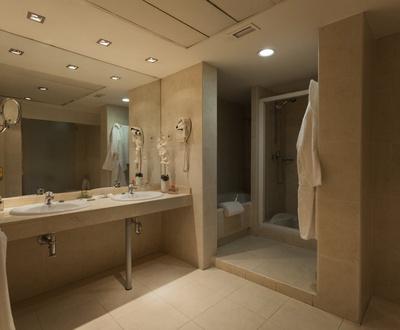 Junior Suite Bathroom Cortezo Hotel